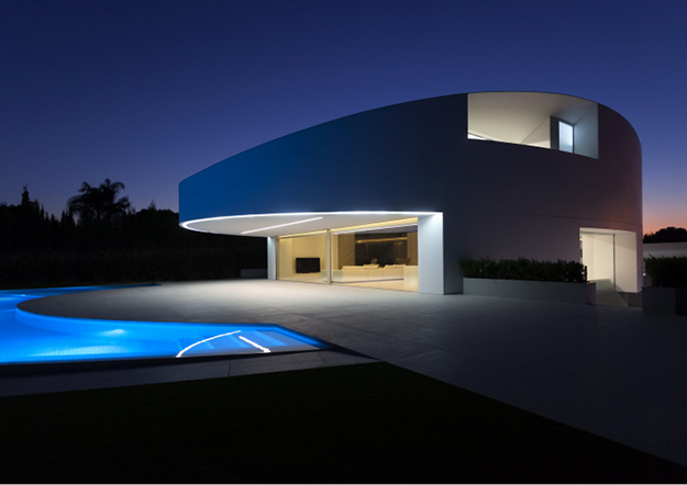 casa balint - fran silvestre arquitectos amazes again with krion® . Solid Surface for outdoor wall