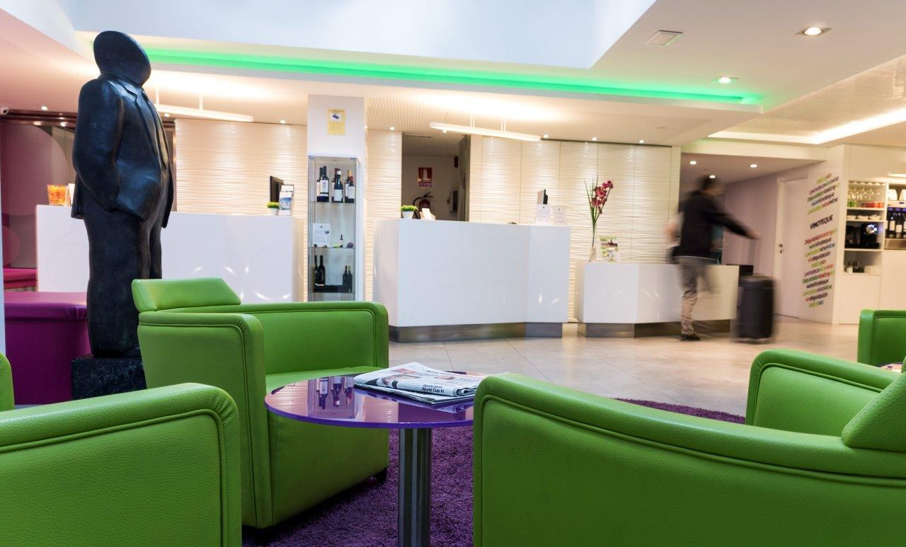 H tel ibis styles madrid prado et krion solid surface - Hotel el quijote madrid ...