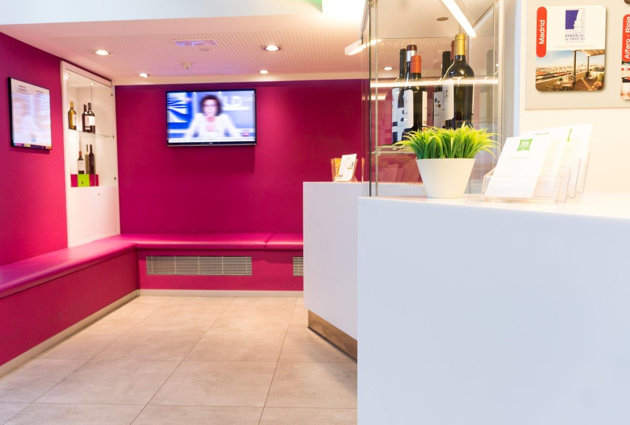 Hotel ibis styles madrid prado y krion solid surface krion - Hotel el quijote madrid ...