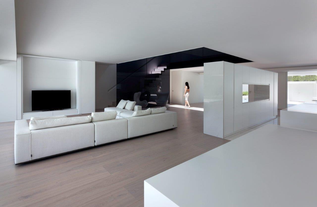 Casa Balint Fran Silvestre Arquitectos Amazes Again With