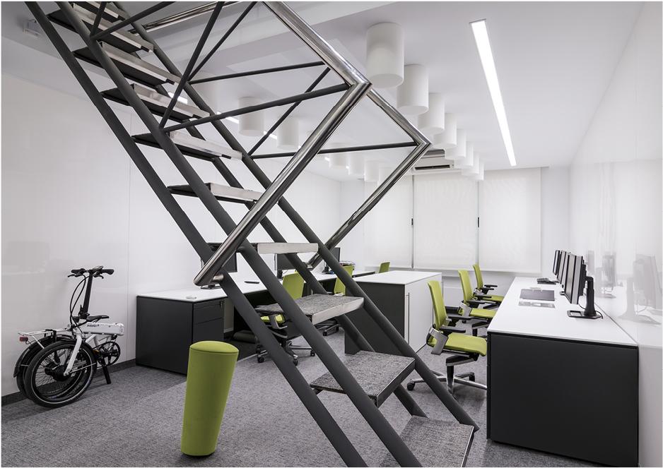 Krion en la reforma integral de las oficinas de ortiz for Oficina de empleo leon
