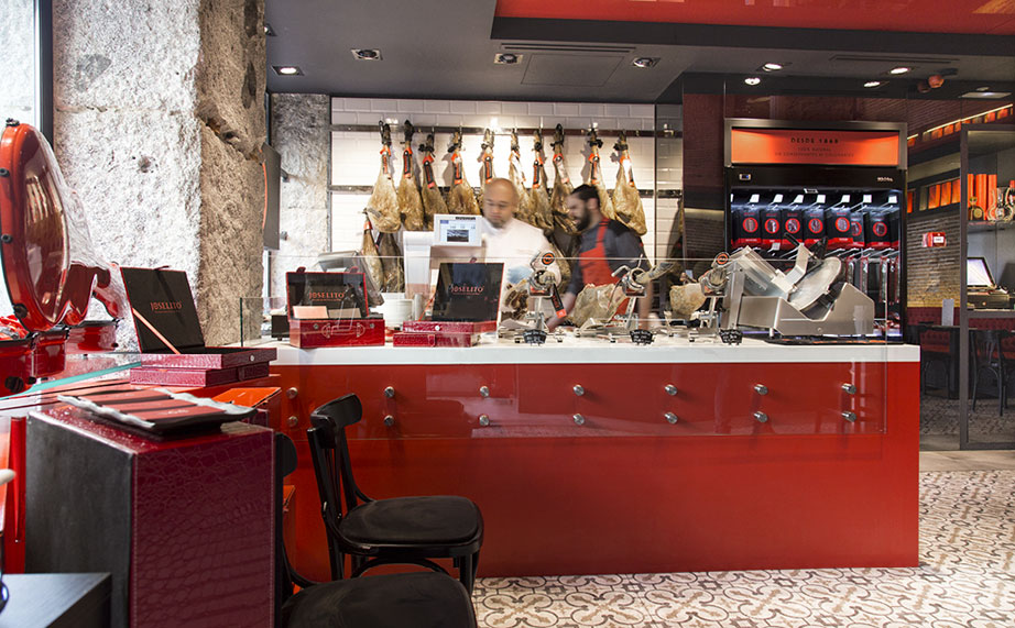krion™ at joselito's, the elegant bistro with the the world's best ham. Solid Surface para mobiliário
