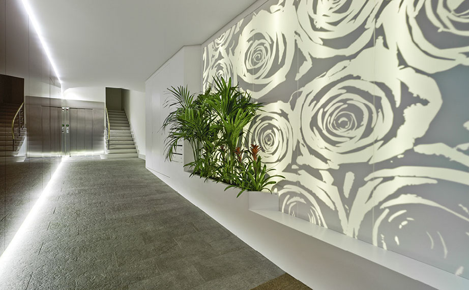 krion® chosen by santa-cruz arquitectos for the finishing of a lobby. Solid Surface para casas