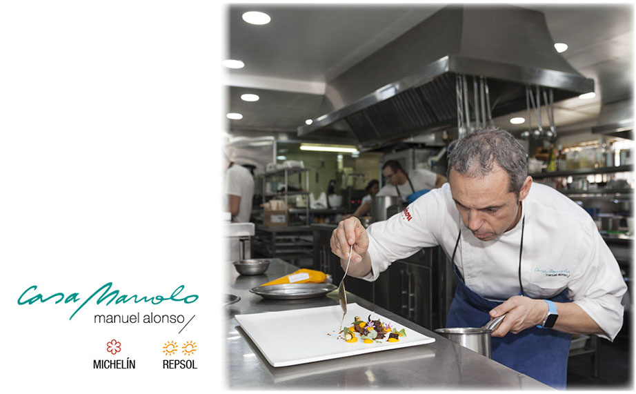 manuel alonso, michelin star for the casa manolo restaurant, designs his own plates with krion®.   Дизайн