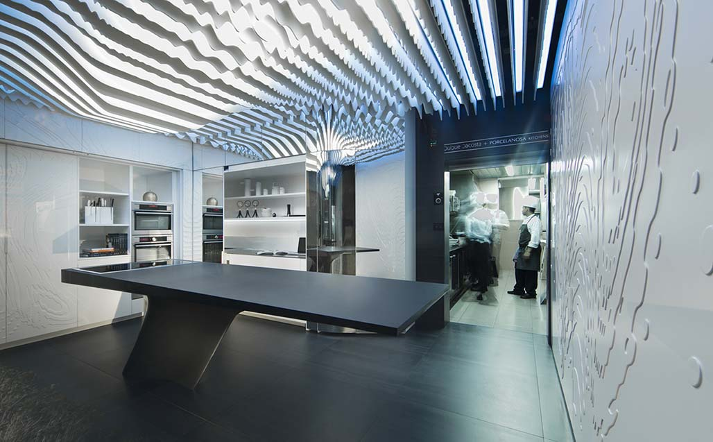 krion® at the studio de creatividad by quique dacosta, in which porcelanosa kitchens has participated. Solid Surface 的 餐饮设施