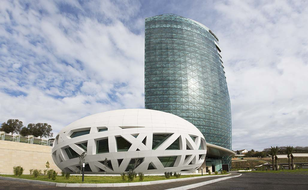 hotel sheraton annaba, algeria – spherical dome created with krion®. Solid Surface 的 餐饮设施