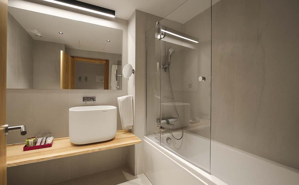 KRION Solid Surface in the bathroom fittings of Hotel Zenit Sevilla