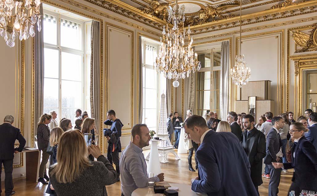 K-LIFE retourne à PARIS, mais cette fois dans le majestueux hôtel de Crillon, place de la Concorde - Solid Surface