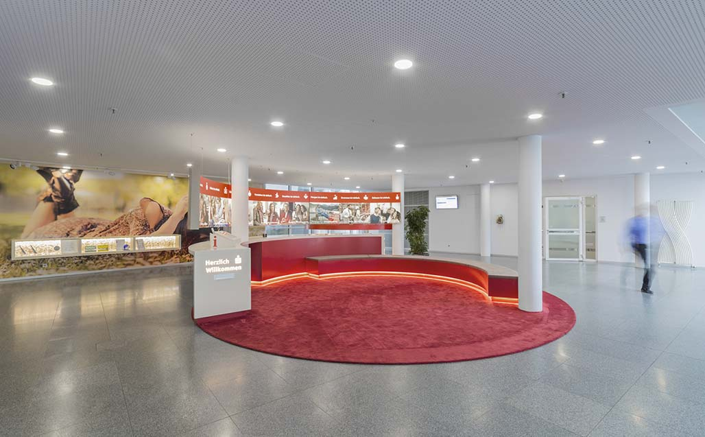 sparkasse (regensburg): a modern, sustainable idea, using krion in its new installations. Solid Surface для ТАБЛИЧКИ И ВЫВЕСКИ