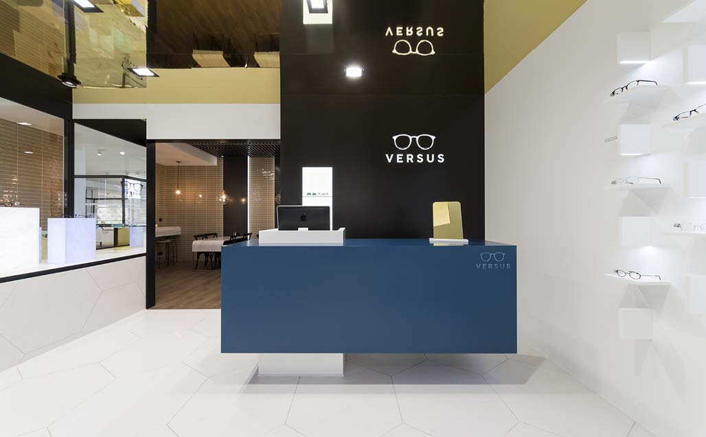 XXVe salon international du groupe PORCELANOSA - KRION SHOWROOM / Opticien - Restaurant - SOLID SURFACE