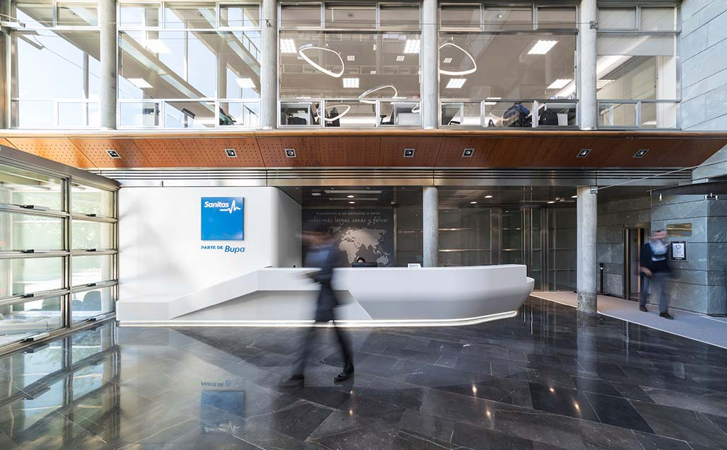 KRION Solid Surface in the hall of the central offices of Sanitas, part of Bupa, in Madrid