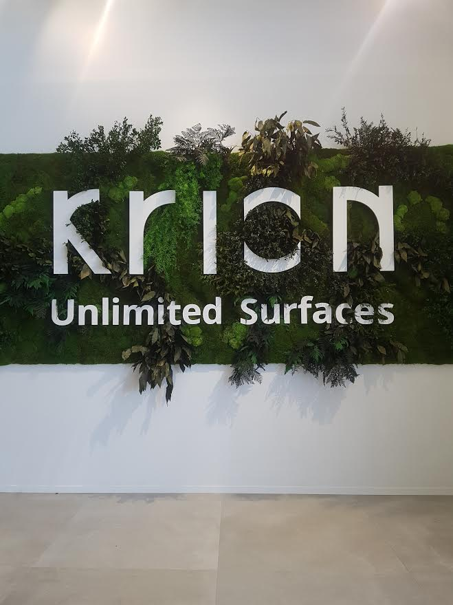 krion® inaugura showroom y nueva marca en la xxvi muestra internacional de porcelanosa grupo. Solid Surface  locales comerciales y empresas