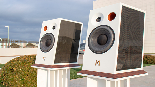 High quality sounds with Kroma speakers made with Krion™