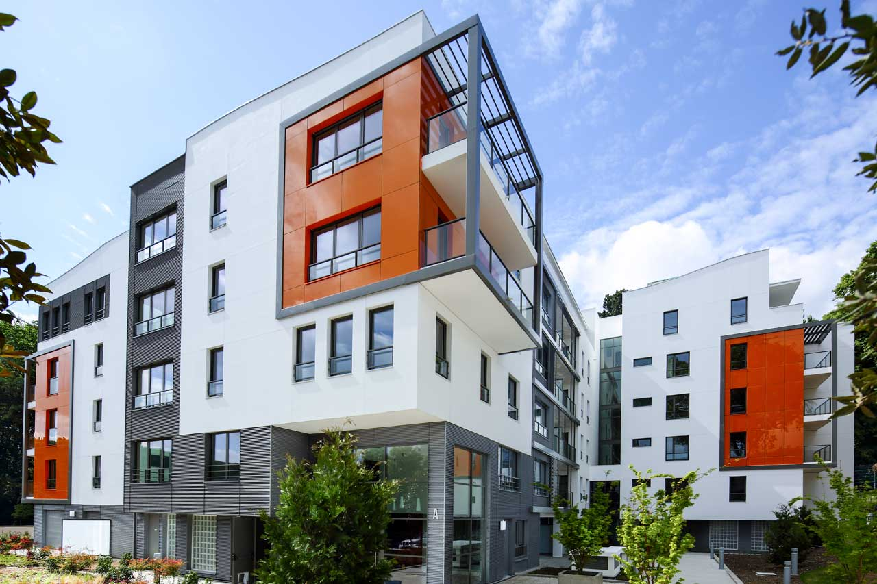 fachada edificio residencial - neudon - francia. Solid Surface  revestimento exterior