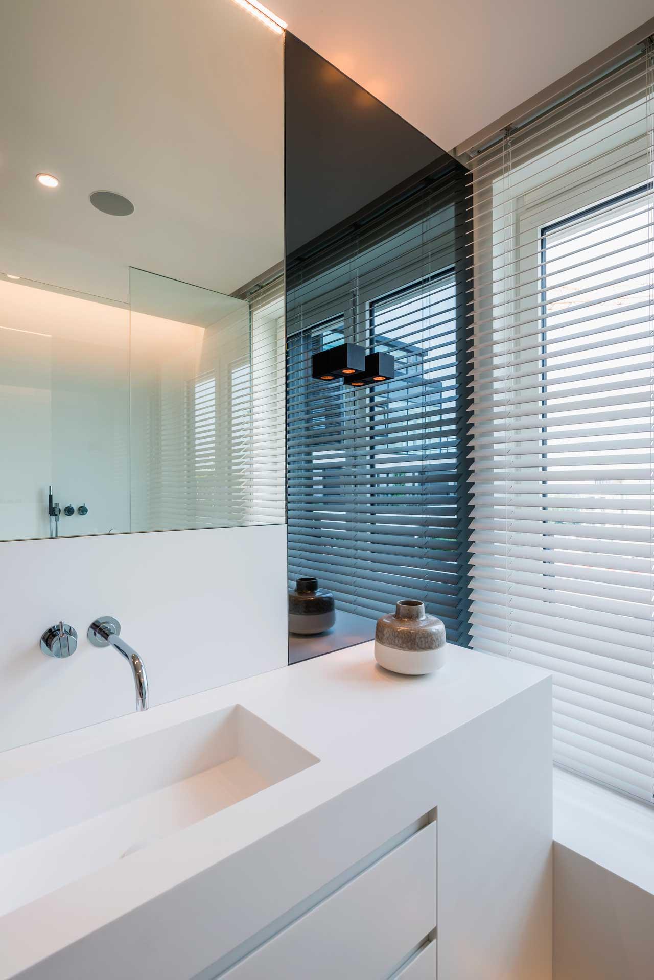 vivienda particular - hasselt - bélgica. Solid Surface  浴室设备