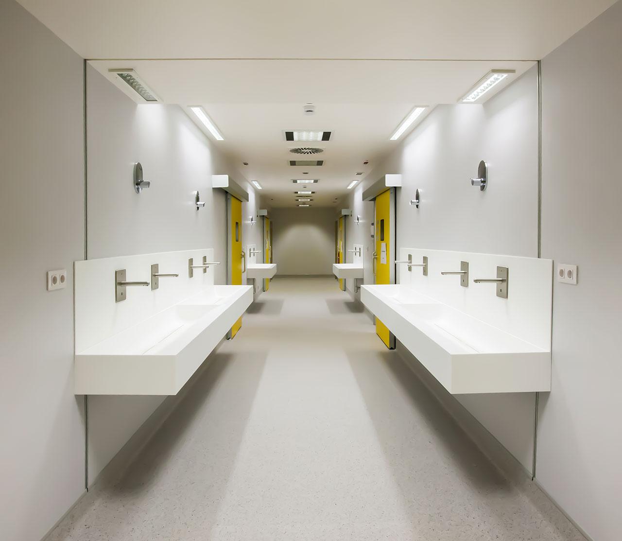 hospital universitario a coruña (chuac) - a coruña - galicia. Solid Surface  bancadas