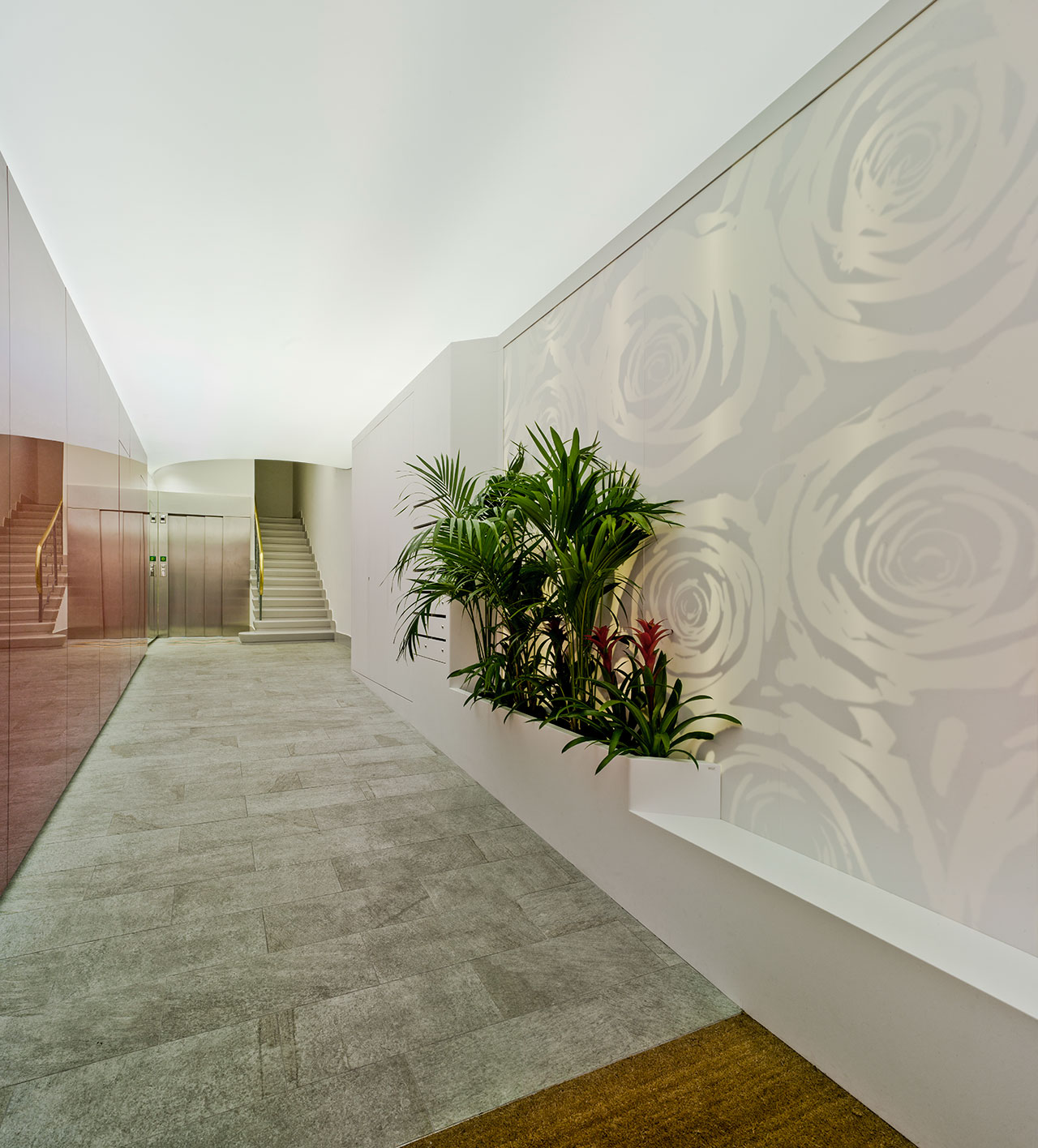 zaguan edificio coy - murcia - españa. Solid Surface  wall tiles