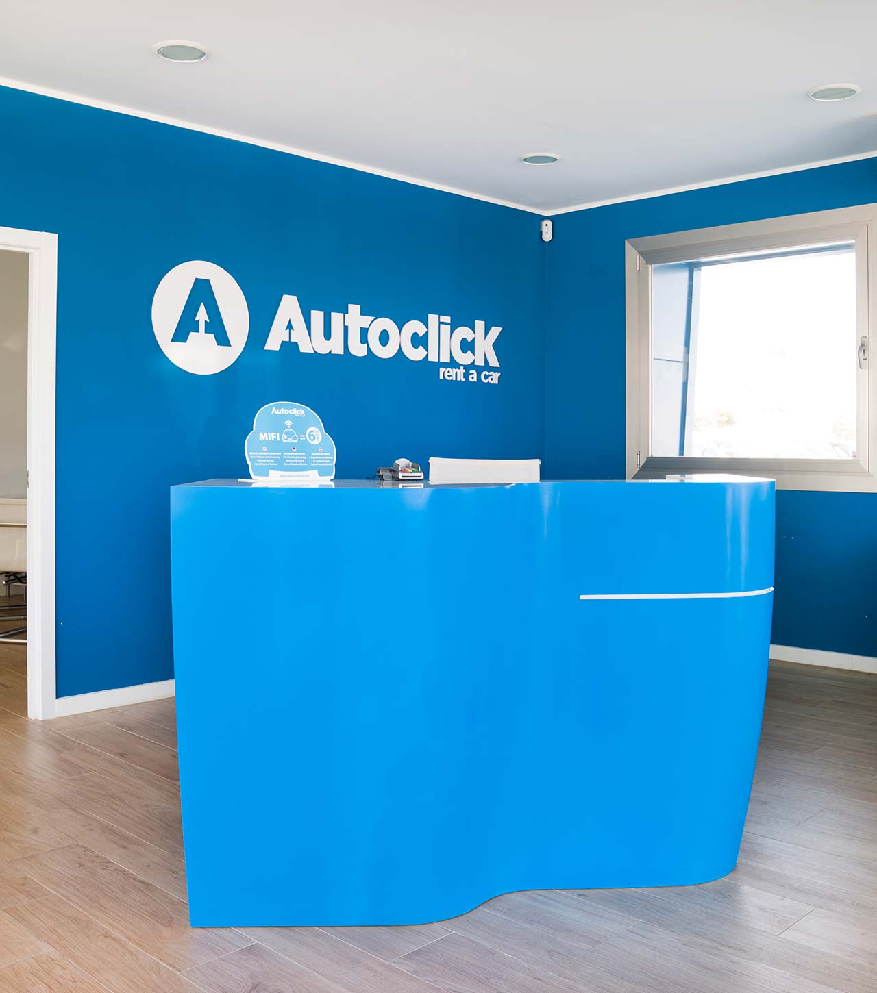 autoclick rent a car - palma de mallorca - españa. Solid Surface  家具
