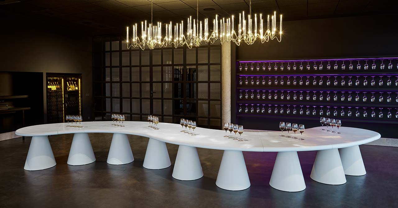 bodegas arzuaga navarro - valladolid - spain. Solid Surface for restaurant & catering