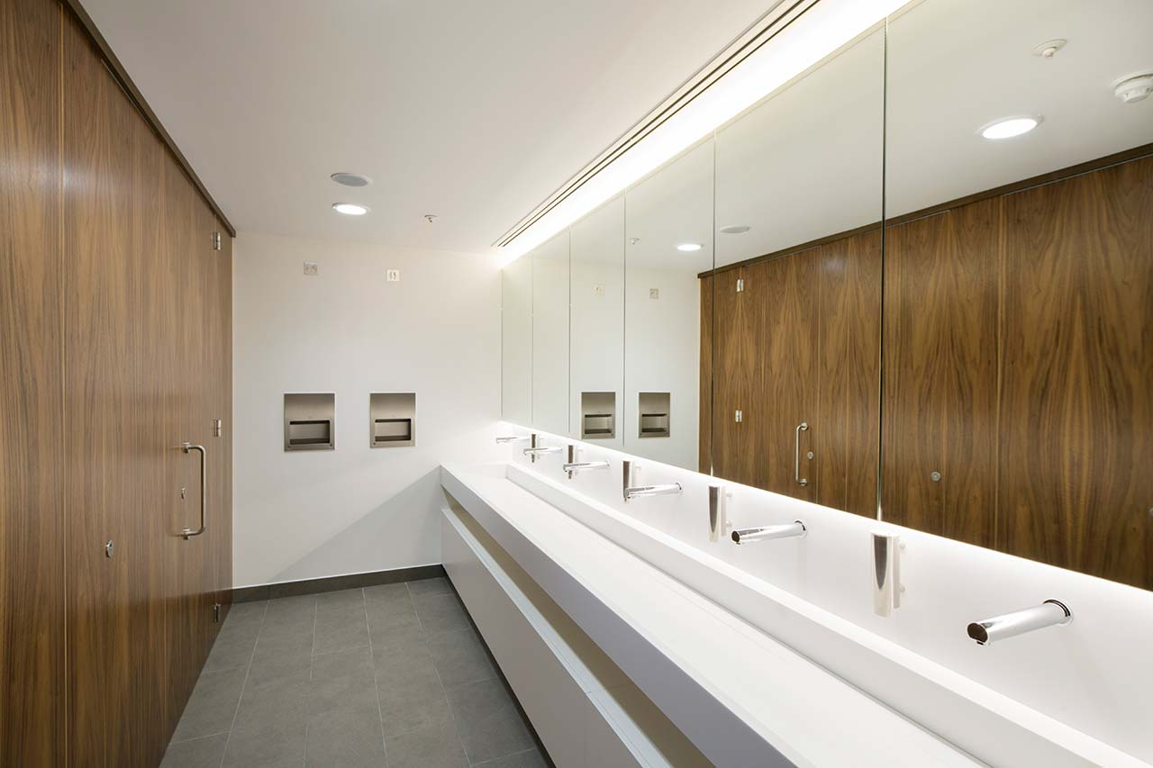 110 queen street - glasgow - escocia. Solid Surface para revestimiento interior
