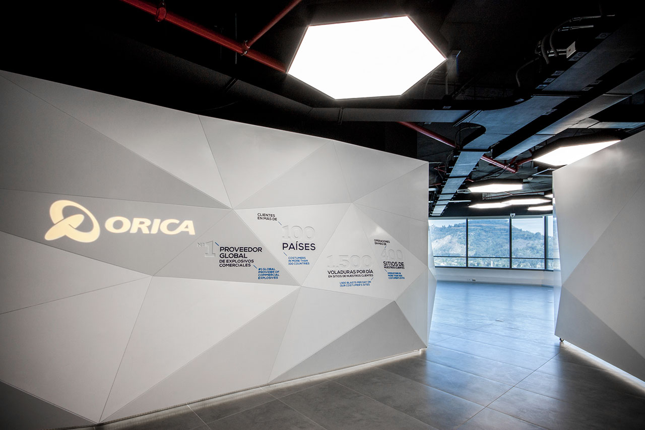 orica – centre of innovation - santiago - cile.   rivestimento da interni