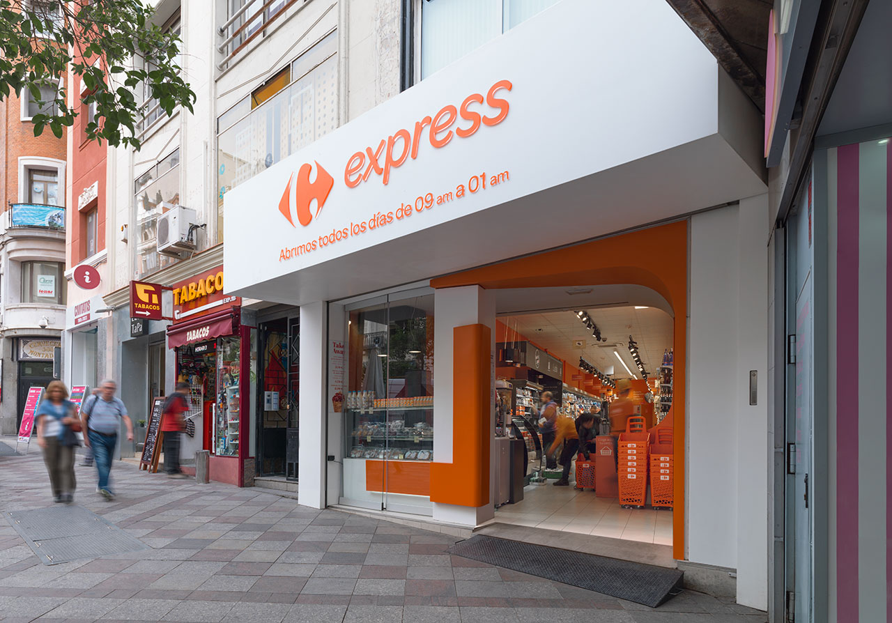 carrefour express - madrid - spain. mineralwerkstoff  geschaftsraume