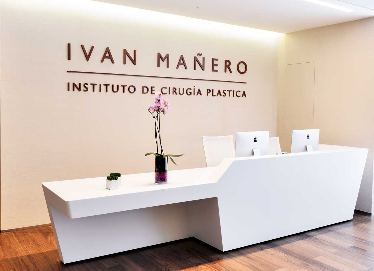 im clinic – barcelona – españa. Solid Surface  comptoirs