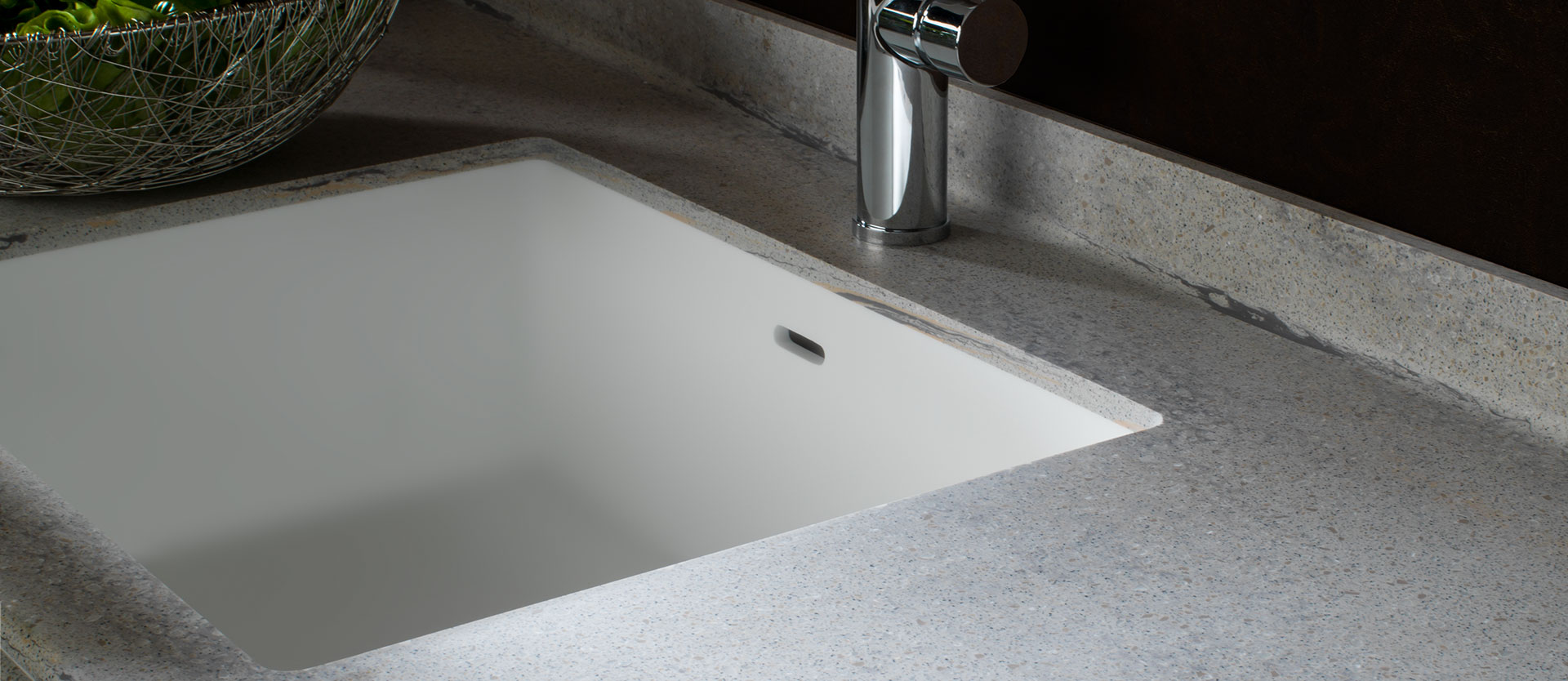 Solid surface kitchen sinks solid surface krion for Solid surface kitchen sink
