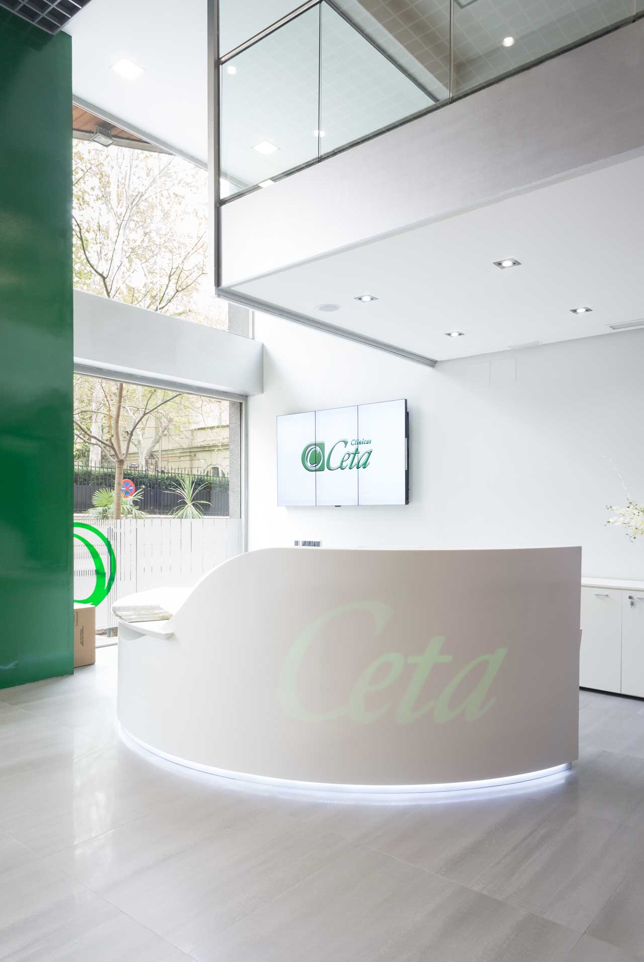 clinica ceta - madrid - spain. Solid Surface for bathroom equipment