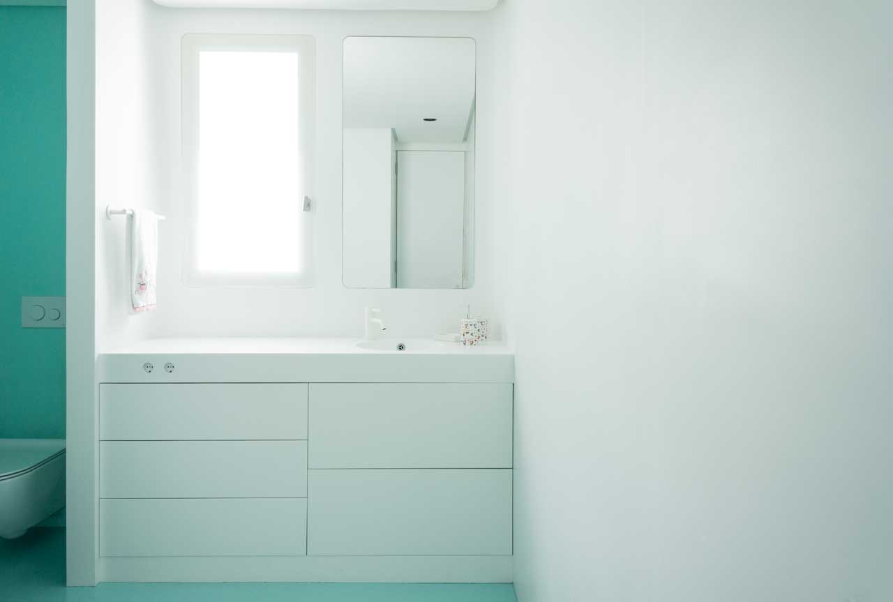 vivienda unifamiliar - madrid - españa. Solid Surface for bathroom equipment