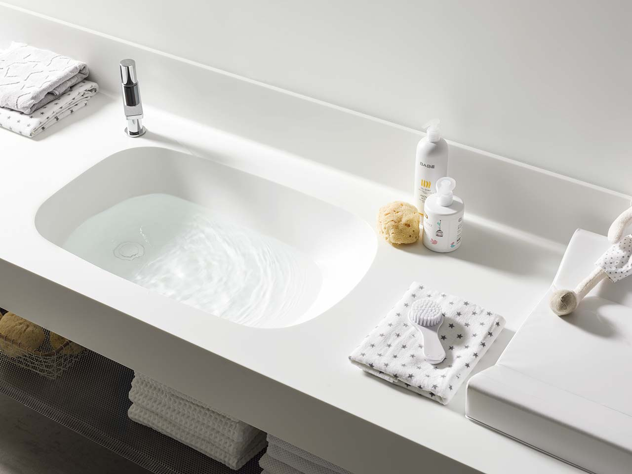 Solid Surface Badewanne Basic T802 Babybath - 70x42 cm